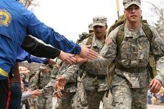otucha wachluje żołnierz piechoty morskiej Obraz Royalty Free
