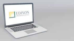 Otwarcia i przymknięcia laptop z Edison International logem 4K 3D redakcyjny rendering royalty ilustracja