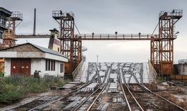 Otwarta Kolejowa rampa dla przemysłowych Ro statków Obraz Stock
