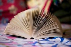 otwarta książka Zdjęcia Stock