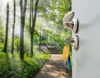 Otwarte drzwi drabina obrazy royalty free
