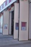 Otwarte drzwi posterunek straży pożarnej Obraz Royalty Free