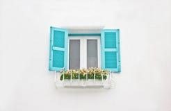 Otwarte Okno na Białym budynku. Zdjęcie Royalty Free