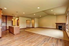 otwarte plan piętra Pusty żywy pokój z dywanową podłoga Obraz Royalty Free