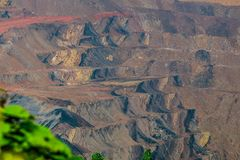 Otwartej jamy coalmining, Sangatta, Indonezja fotografia royalty free