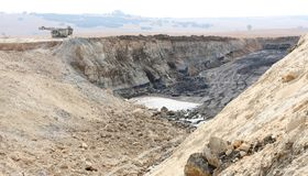 Otwartej jamy Coalmining w Południowa Afryka obraz stock