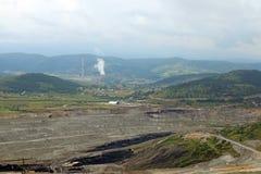 Otwartej jamy kopalnia węgla Pljevlja i termiczna elektrownia zdjęcie royalty free