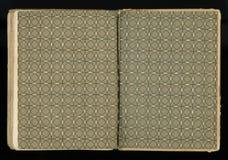 Otwartej podpórki stary antykwarski rocznik rezerwuje z geometrycznym ornamentem pustą etykietkę dla twój teksta Zdjęcie Stock