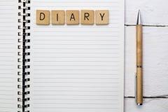 Otwarty dzienniczek, planista lub notatnik w mieszkanie stylu, Biuro i busine Zdjęcia Stock