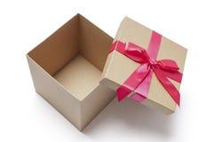 Otwarty prezenta pudełko - Akcyjna fotografia Zdjęcia Royalty Free