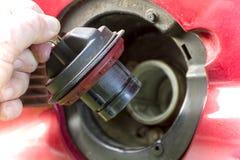 Otwierać A Zamkniętą Benzynową nakrętkę Obrazy Stock