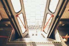 Otwierać/zamykać tramwajowych drzwi Obrazy Royalty Free