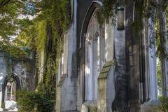 Otwiera dachowych kościelnych okno zdjęcia royalty free