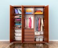Otwiera garderoba przedział z odziewa Zdjęcia Royalty Free