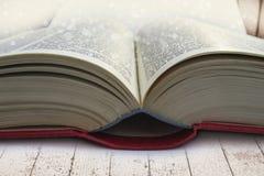 Otwiera książkowego zakończenie Obraz Royalty Free