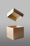 Otwiera kwadratowego pudełko w odosobnionym tle Zdjęcia Stock