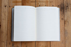 Otwiera notatnika z pustymi stronami Obrazy Stock