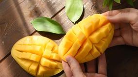 Otwiera rżniętego mangowego zbliżenie widok zbiory