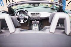 Otwiera sporta samochodu wnętrze Fotografia Stock