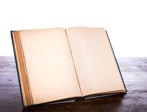 Otwiera starą rocznik książkę Zdjęcie Royalty Free