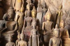Ou朴陷下与菩萨雕象,老挝 免版税库存图片