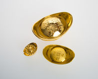 Or ou symboles chinois de moyen de lingot d'or de la richesse et de la prospérité Photos stock