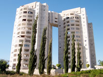 Ou Yehuda Neve Rabin Cypresses 2010 Photo libre de droits