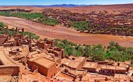 Ouarzazate Marokko-Reisen und -architektur Dorf und Fluss Stockfotografie