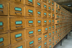 Oud archief met laden royalty-vrije stock fotografie