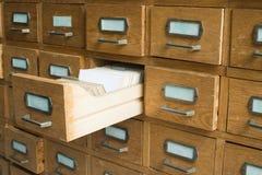 Oud archief met laden stock afbeelding