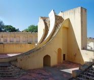 Oud astronomisch waarnemingscentrum Jantar Mantar in Jaipur, Rajast stock afbeeldingen