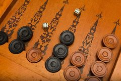 Oud Aziatisch raadsspel - Backgammon stock fotografie