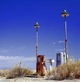 Oud benzinestation stock afbeelding