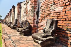 Oud Bhuddha-standbeeld Stock Afbeeldingen