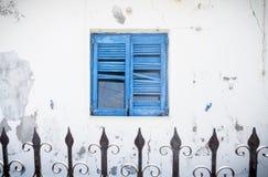 Oud blauw Grieks blind stock foto
