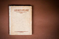 Oud Boek door Shakespeare Stock Foto's