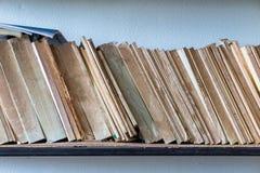 Oud boek op plank Royalty-vrije Stock Fotografie