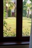 Oud bruin venster Royalty-vrije Stock Afbeeldingen