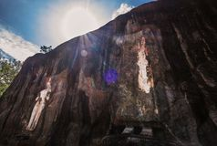 Oud Cca 1000 jaar het grootst van de bevindende standbeelden van Boedha is Stock Afbeeldingen