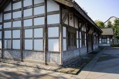 Oud Chinees hout ontworpen huis bij zonnige de wintermiddag Royalty-vrije Stock Foto