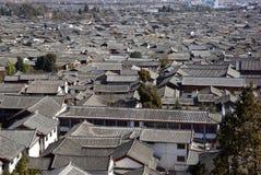 Oud dak in de oude stad van Lijiang, Yunnan China Stock Fotografie