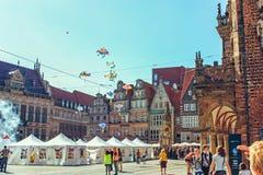 Oud de Marktvierkant van Bremen met standbeeld van Bremen Roland royalty-vrije stock foto's