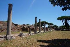 Oud de stadsforum van Ostiaantica Rome - Itali? stock fotografie