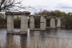 Oud destructed brug Royalty-vrije Stock Afbeelding
