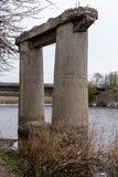 Oud destructed brug Royalty-vrije Stock Foto's