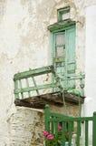 Oud deur en balkon Royalty-vrije Stock Foto's