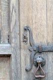 Oud deurkast en handvat Royalty-vrije Stock Foto's