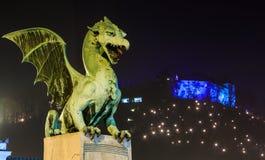 Oud die stadscentrum van Ljubljana voor Kerstmis wordt verfraaid Royalty-vrije Stock Foto