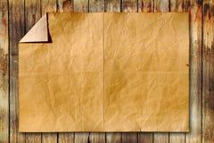 Oud document op houten achtergrond Royalty-vrije Stock Afbeelding