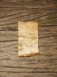 Oud document op houten textuur Stock Foto